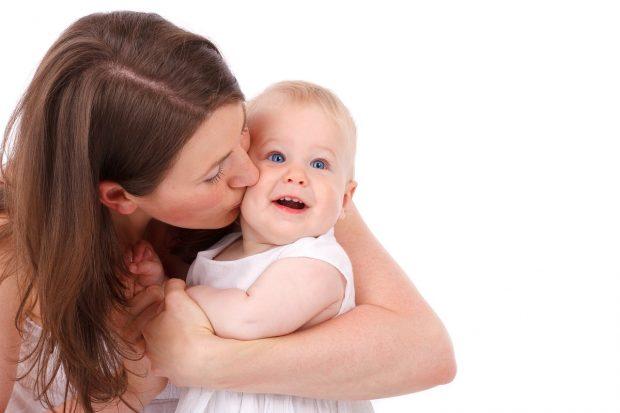 幸せな結婚相手と赤ちゃんを手に入れた女性