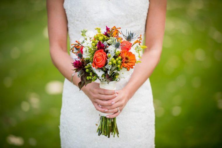 花嫁とブーケ