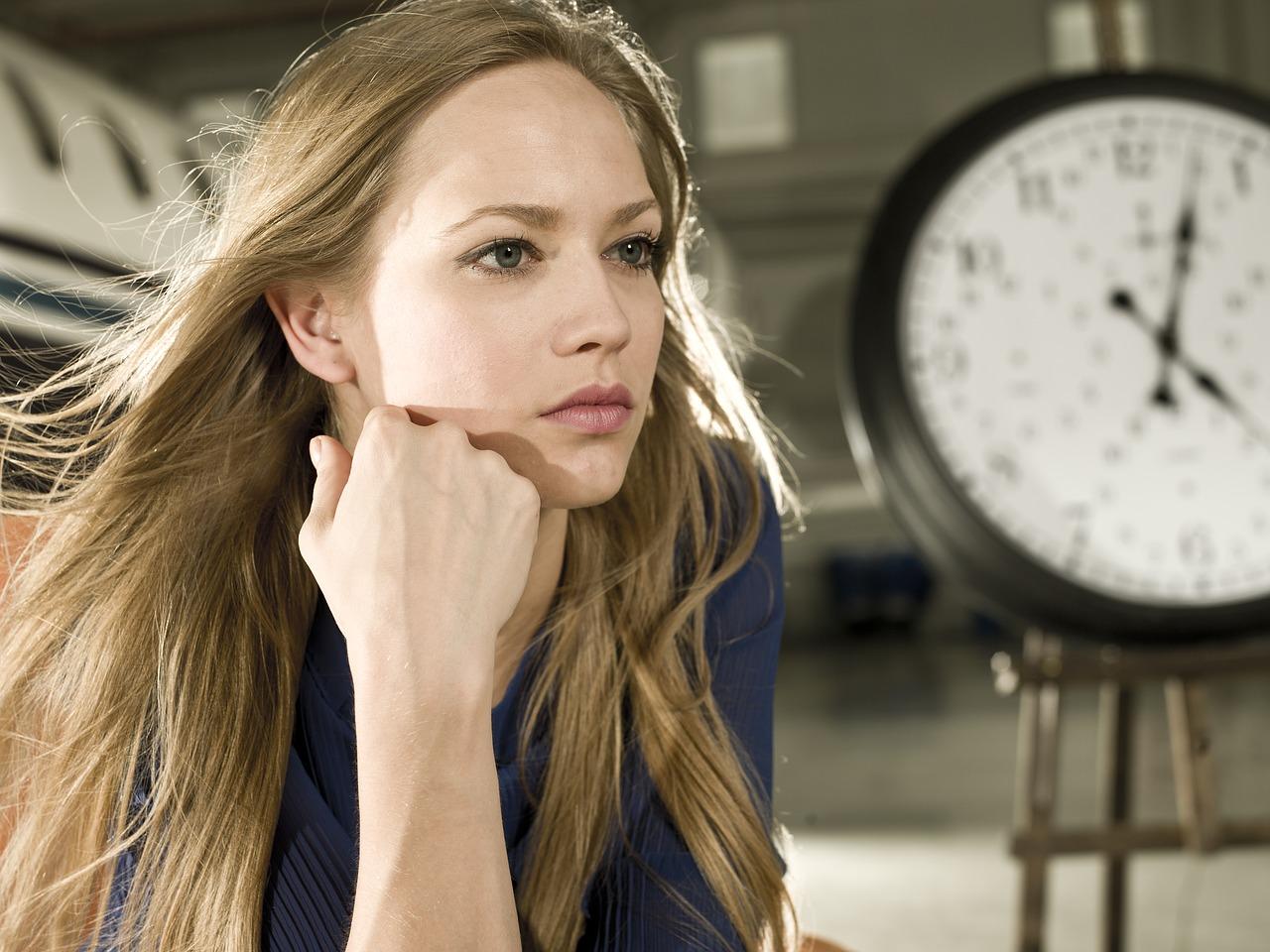 婚活で妥協すべき点を考える女性